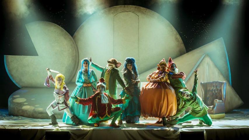 Últims dies per poder anar al Teatre a veure el Gran Retorn a Fantasia!!