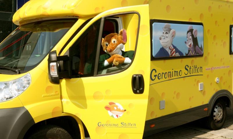 Il camper color formaggio è in arrivo a Genova!
